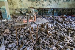 creepy-doll-in-pripyat-chernobyl-01